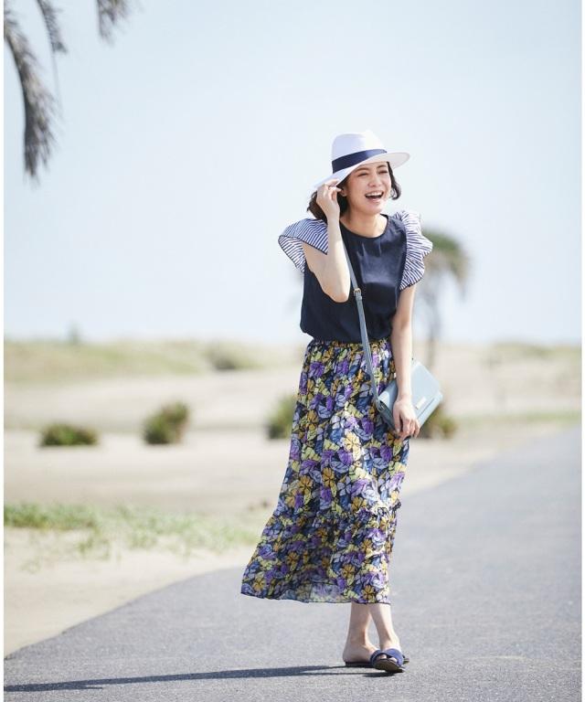 裾フリル花柄マキシスカート