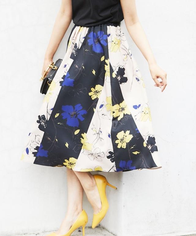 ≪WEB先行販売商品 ※店舗販売日は07月07日~となります ≫パネルプリント切替花柄スカート