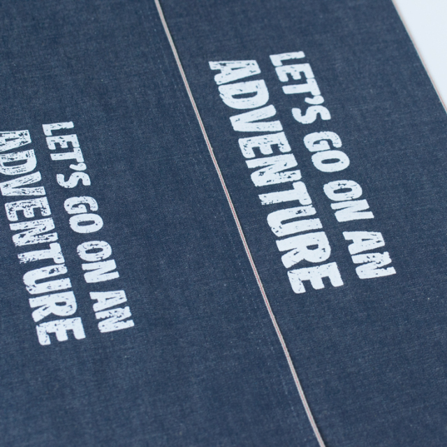 【アートファブリック】ロゴ「ADVENTURE」(ベース生地:綿麻・先染めセルヴィッチデニム)