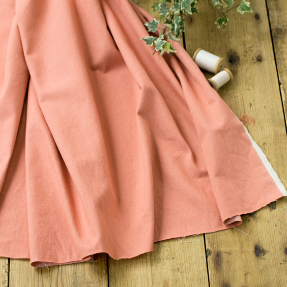 【布帛】なかなか見かけないカラーが魅力的!やわらかめコットンデニム(淡オレンジピンク) オーダーカット