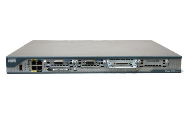 Cisco 2801 (D128M/F64M) + HWIC-8A + WIC-1T×2