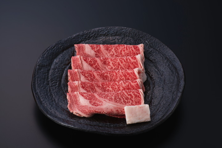 米沢牛ロースすき焼き用 500g(タレ付) 送料無料(冷蔵)化粧箱入