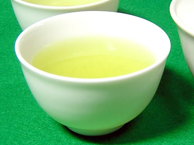 白磁の煎茶碗