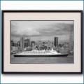 2007年 客船クイーンエリザベス2・マンハッタンの写真 3330LL黒