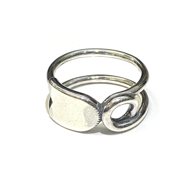 YSTRDY's TMRRW ANZEN PIN RING by END