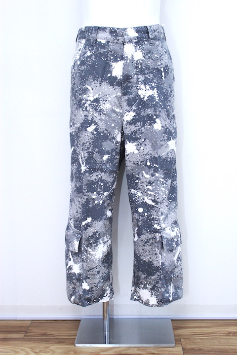 NEONSIGN 979 SPLASH CAMO CHOPPED CARGO PANTS