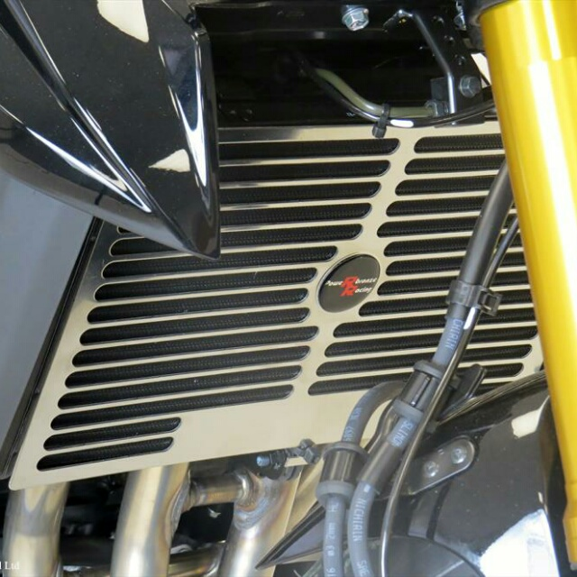 SUZUKI >> GSX-S750(17-)ラジエターカバー PowerBronze