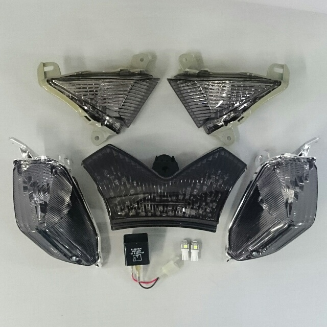 KAWASAKI >> ZX-14R(12-)/ZZR1400・ZX-14(06-11) スモークレンズ・コンプリートキット2【保安基準適合品】
