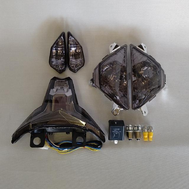 KAWASAKI >> ZX-25R(20-) スモークレンズ・コンプリートキット