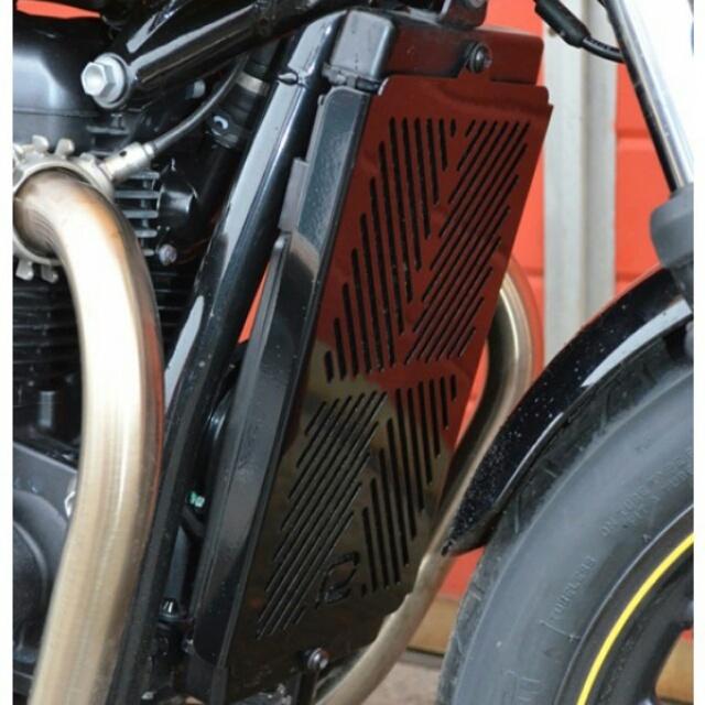 Triumph >> StreetTwin/Cup(16-)・Thruxton1200(16-)・BonnevilleT100/T120/StreetScrambler(17-)水冷 ラジエターカバー RENNTEC