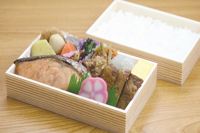【古町包】相盛り膳(甘粕漬銀鮭・豚ロース)