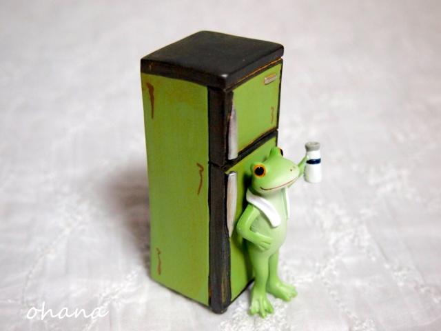 冷蔵庫とカエル