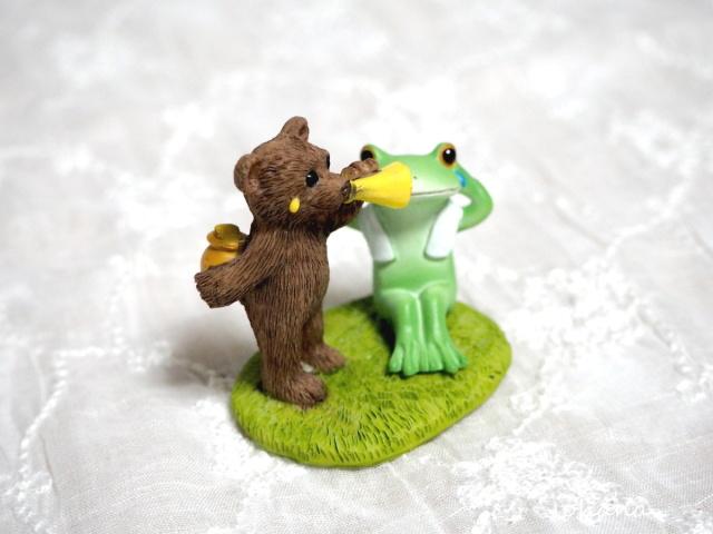 腹筋するカエルとスパルタなクマ