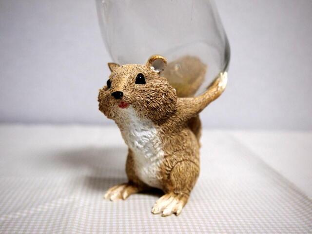リス・ガラスボトル