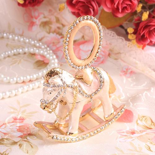 宝石箱シリーズ「ジュエリーボックス・写真立て付き木馬」