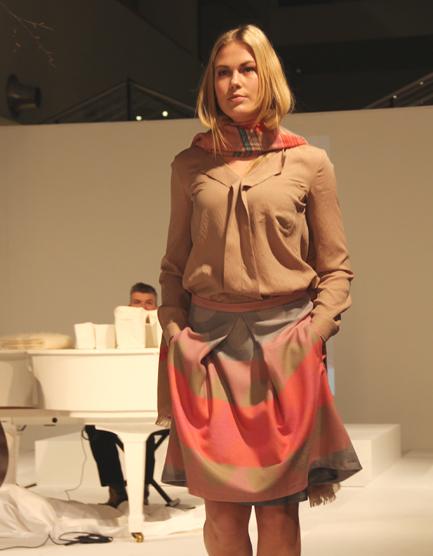 ウーマンズ ドットスカート XSサイズ