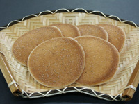 茨城名産 松皮煎餅の写真