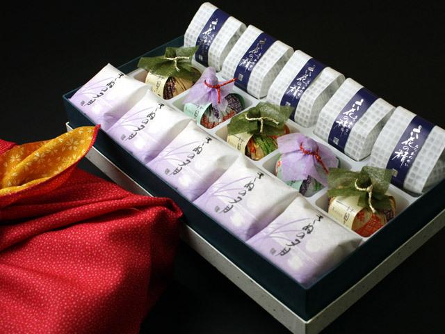 風呂敷包みの最中・菓音・六花の精詰合せ15