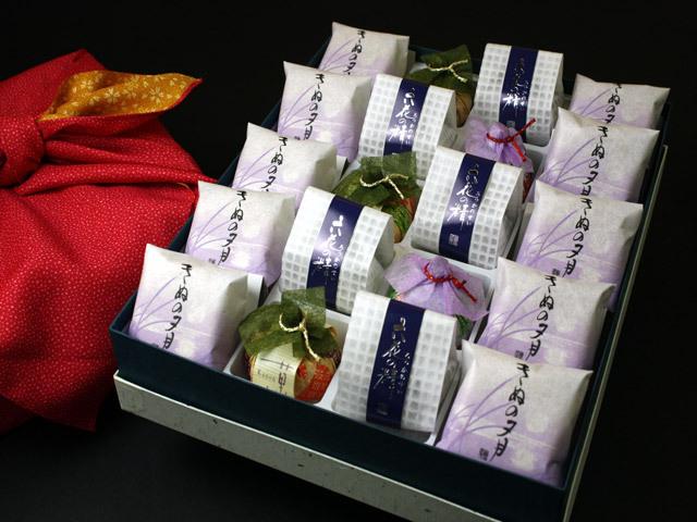 風呂敷包み贈答用の最中・菓音・六花の精詰合せ15