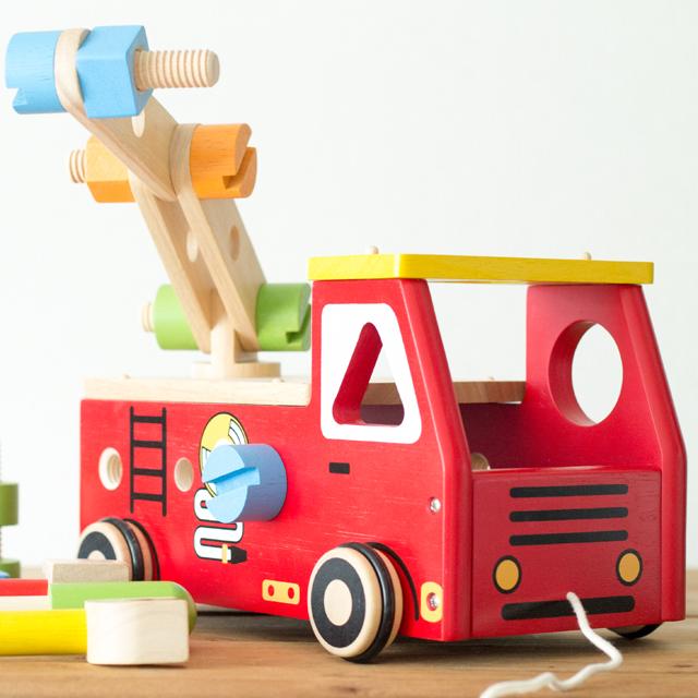 4位アクティブ消防車