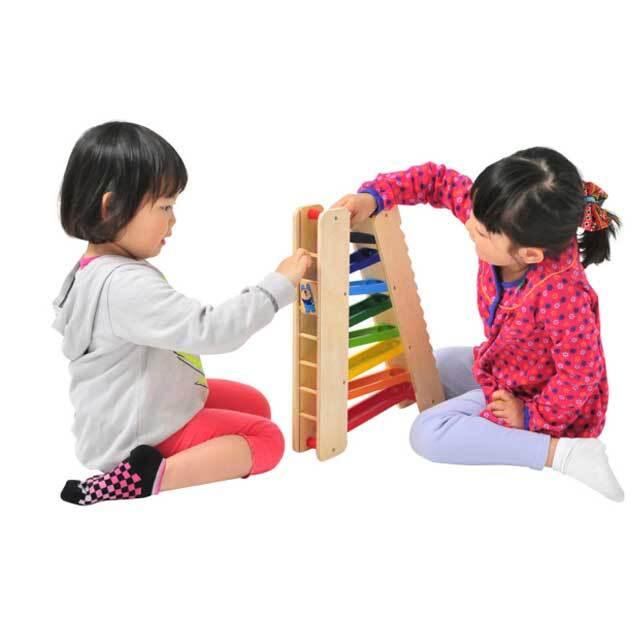3wayスライダーで遊ぶ姉妹