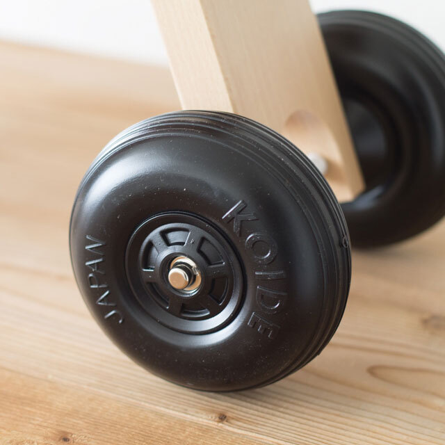 木製乗り物のタイヤ