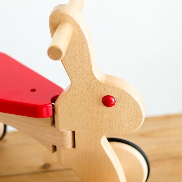 うさぎの乗り物木のおもちゃ