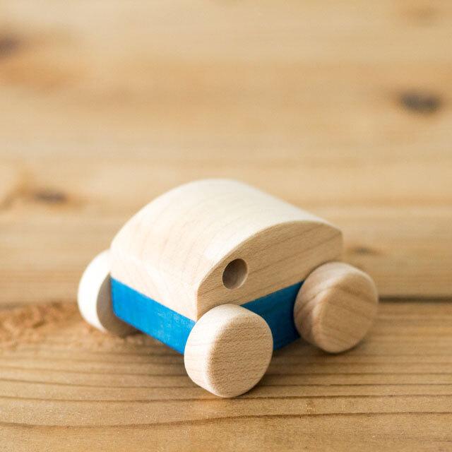 付属の木製くるま