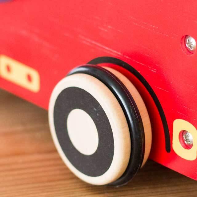 タイヤは床にやさしいゴム製