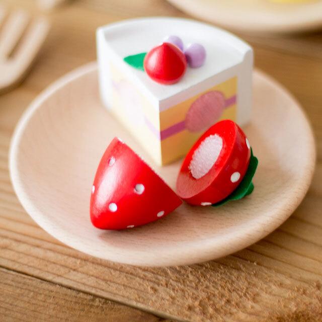 ミニ・いちご ケーキを添えて
