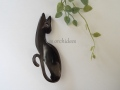パリのバッファローホーン ブローチ ネコ