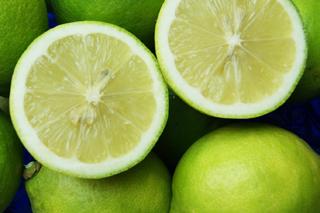 果汁たっぷり酸味が柔らかい完全無農薬レモン