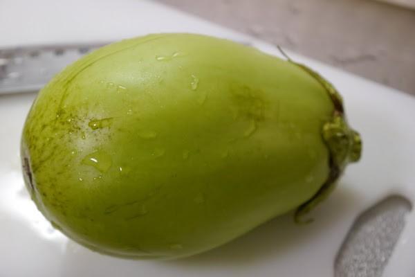 7月31日はお届けお休み【東京野菜】かわいい緑ナス(八王子産)1本