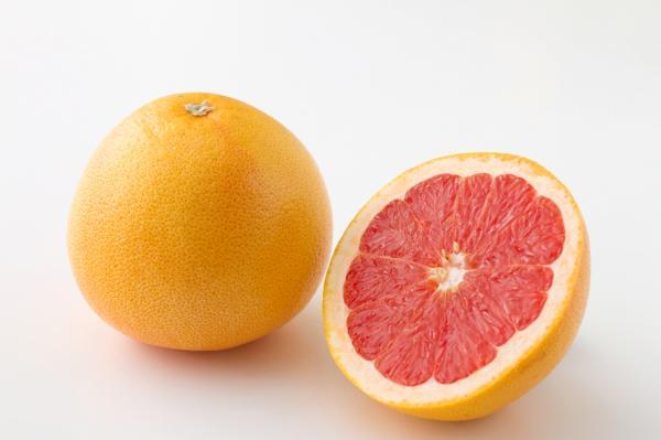 ピンクグレープフルーツ(50玉サイズ)1個=約250g (アメリカ産など)