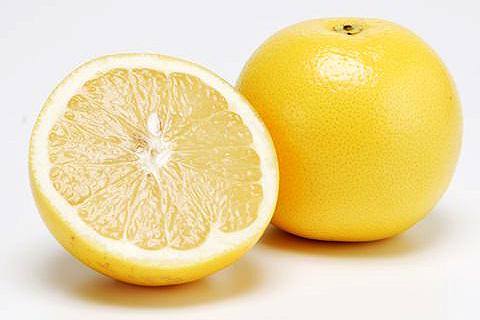 グレープフルーツ(50玉サイズ)1個=約250g (アメリカ産など)