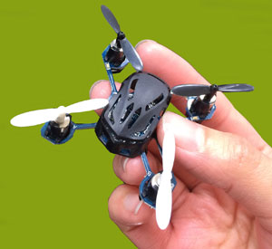 童友社 ナノスパイダー ミニ ドローン 4ch 2.4GHz マルチコプター 屋外 屋内 複数 同時飛行可能 (DYS-00317) | NANO Spider