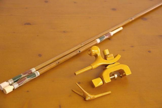 ☆ポイント5倍☆竹製竿掛け 1本半物 + 銘木弓型万力セット [40061]