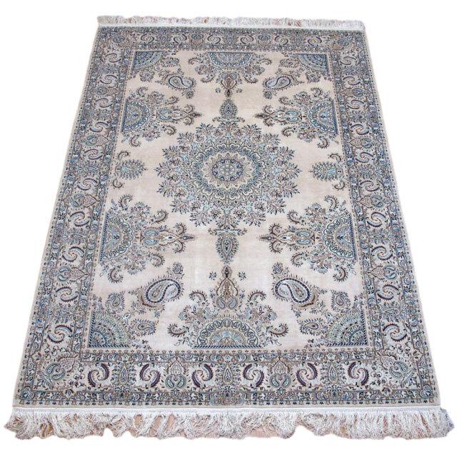 ペルシャ絨毯ナイン・シルク・ハビビアン 233×162cm(FL-2614-6)