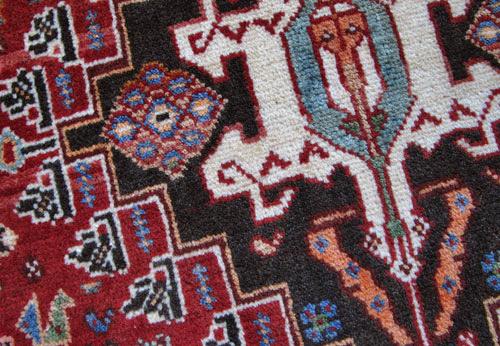 ゾランヴァリ・ギャッベ(ギャべ)、カシュガイ絨毯のクッション