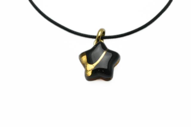 ムラーノグラスペンダント 星型ペンダントトップ ブラック&ゴールド ネックレス付き
