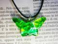 ムラーノグラスペンダント 蝶のモチーフのペンダントトップ グリーン&シルバー ネックレス付き