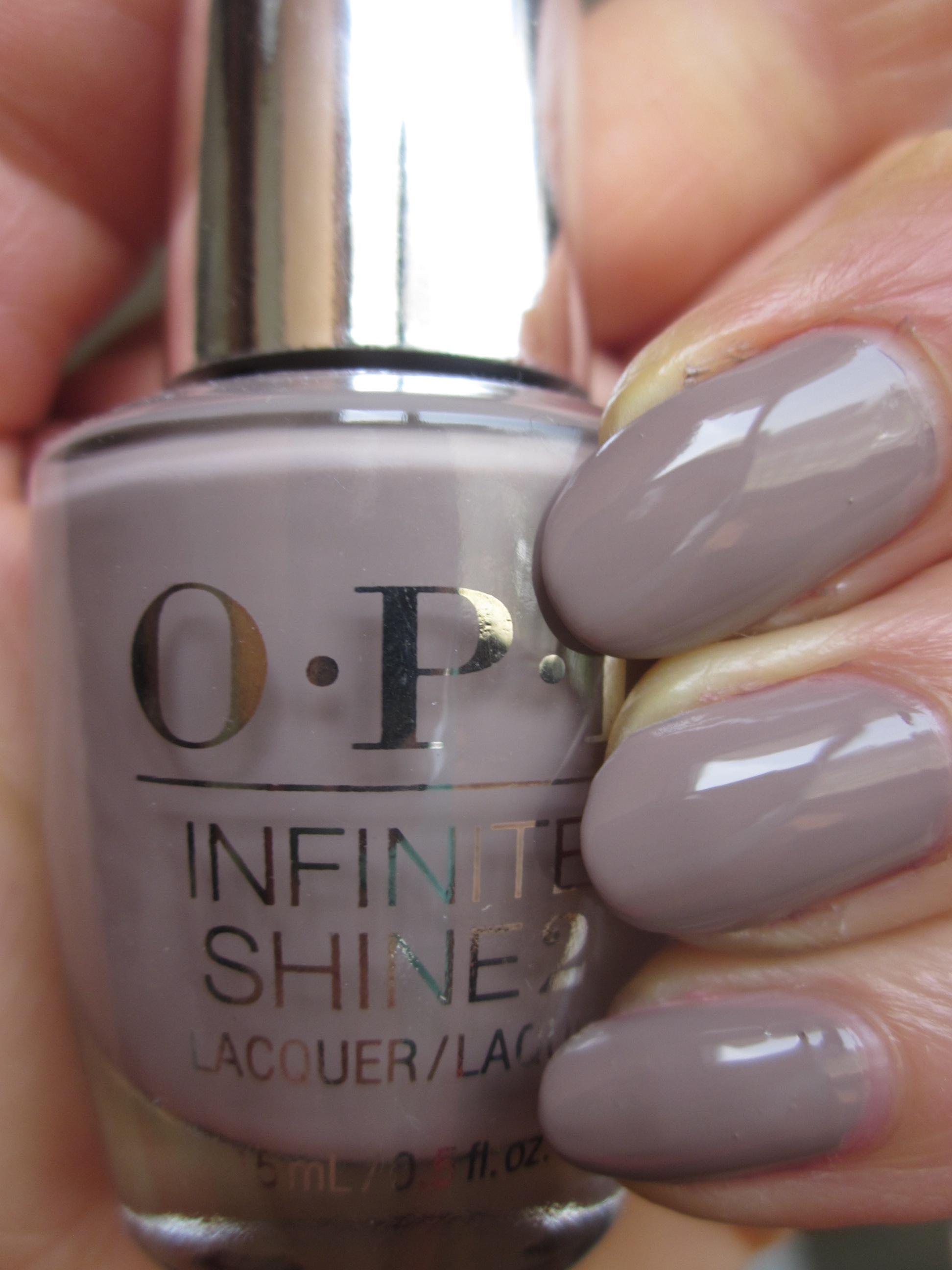 OPI INFINITE SHINE(インフィニット シャイン)  IS-L28 Staying Neutral(スティング ニュートラル)