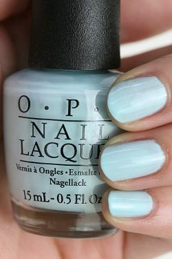 OPI(オーピーアイ) NL-F88 Suzi Without a Paddle(Creme)(スージー ウィザウト ア パドル)