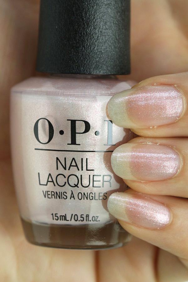 OPI(オーピーアイ)NL SH2 Throw Me a Kiss(Shimmer)(スロー ミー ア キス) opi ネイル ネイルカラー ネイルポリッシュ マニキュア うすピンク 春ネイル オフィスネイル ラメパール