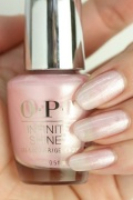 【35%OFF】OPI INFINITE SHINE(インフィニット シャイン)  HR-J46 The Color That Keeps On Giving(Pearl)(ザ カラー ザット キープス オン ギビング)