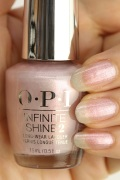 OPI INFINITE SHINE(インフィニット シャイン) IS-LSH2 Throw Me a Kiss(Shimmer)(スロー ミー ア キス)