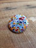 パリのアクセサリー モザイク風ボタン