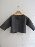 LE VESTIAIRE DE JEANNE  VDJ ウールプルオーバー   wide sweater grey wool drap, raw edges