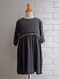 イタリア子供服 OLIVE ビーズ刺繍ワンピース