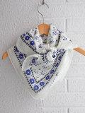 パリジェンヌに人気のフレンチカジュアルブランド soeur スール バンダナスカーフ